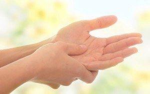 Боль в ладошке правой руки
