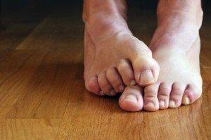 Онемение большого пальца правой ноги причины